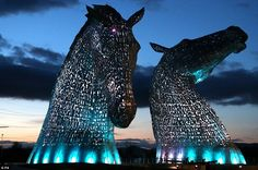 300 tonne steel horses named 'Kelpies' glow in the Scottish night http://dailym.ai/1qkdgK7