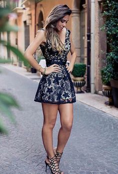 mini skirts and sexy legs Mode Outfits, Sexy Outfits, Sexy Dresses, Cute Dresses, Dress Outfits, Short Dresses, Fashion Outfits, Womens Fashion, Dress Fashion