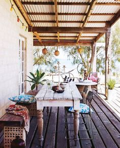 Use table under house for this - Boho Decor Patio Outdoor Rooms, Outdoor Living, Outdoor Decor, Rustic Outdoor Spaces, Outdoor Areas, Outdoor Life, Style At Home, Sweet Home, Surf Shack