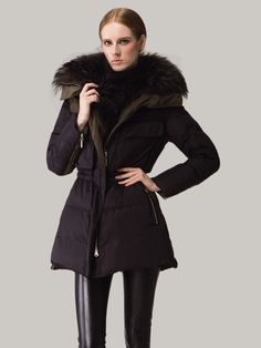 dd1ec699c2a Specification: Sleeve Length:Long Sleeve Color:Black Style:Elegant,Fashion  Pattern:Stitching Color Material:Polyester,Duck Down Season:Winter Package  Coat