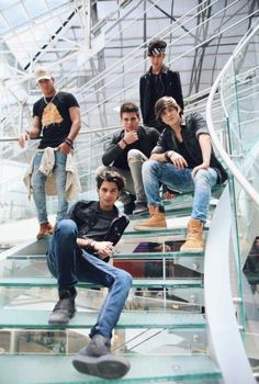 CNCO how to draw hands - Drawing Tips Cnco Band, Boy Bands, James Arthur, Ricky Martin, Latin Music, New Music, Music Box Ballerina, Find Picture, Fan