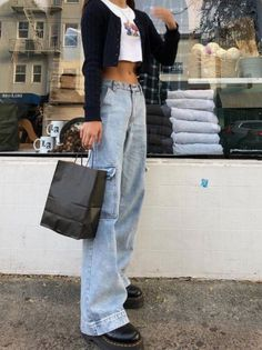 beautiful outfits for your autumn look. - beautiful outfits for your autumn look. Cute Outfits With Jeans, Outfit Jeans, Cute Casual Outfits, Jean Outfits, Cute Jeans, Casual Jeans, Shirt Outfit, Denim Jeans, Ropa Brandy Melville