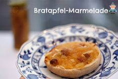 Bratapfel-Marmelade die tatsächlich schmeckt wie ein Bratapfel! Die Mandeln geben dem Ganzen etwas knackiges und Rosinen kann man natürlich weglassen.