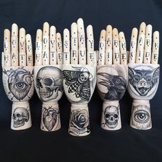Halloween is For Artist: With the Day of the Dead and Halloween just around the corner we're feeling inspired by this mannequin art! Hand Tattoos, New Tattoos, Hand Sculpture, Sculptures Céramiques, Tattoo Studio, Symbol Hand, Tattoo Arm Mann, Handpoked Tattoo, Mannequin Art