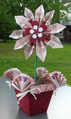 Eine blumige Geldgeschenke-Idee, zum Beispiel zur Hochzeit oder zum Geburtstag.   How Do It Info