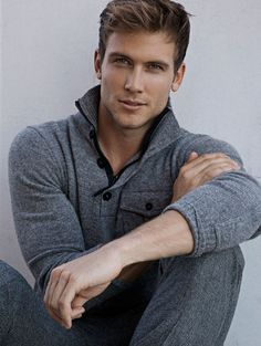 ♂ man's fashion Masculine & elegance man's fashion grey sweater.