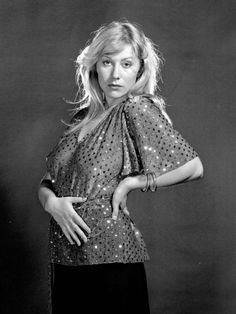 Helen Mirren young photos best and new movies tv shows early acting career body measurements height weight hair color. Helen Mirren, Blond, Dame Helen, Best Actress Award, Female Actresses, Female Celebrities, Hot Actresses, Beautiful Celebrities, Beautiful People