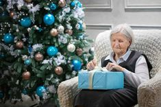 Kai, Christmas Tree, Inspirational Quotes, Quotes Motivation, Holiday Decor, Home Decor, Teal Christmas Tree, Life Coach Quotes, Decoration Home