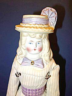 Pretty Bonnet Head Doll