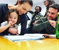 Iain, Elizabeth, and the writers' daughter ❤️ Iain De Caestecker, Marvel Show, Marvel Movies, Marvel Avengers, Chloe Bennet, Shield Cast, Fitz And Simmons, Marvels Agents Of Shield, Cinema