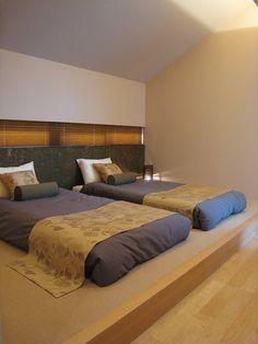 寝室 Japanese Furniture, Japanese Interior, Modern Interior, Interior Design, Kids Bedroom, Bedroom Decor, Zen Style, Minimalist Room, Traditional Interior