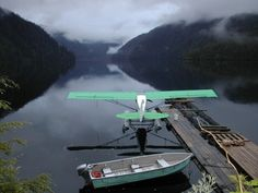 Float plane and boat Cool Pictures, Cool Photos, Bush Plane, Float Plane, Flying Boat, Aviation Art, Photos Of The Week, Fly Fishing, The Best