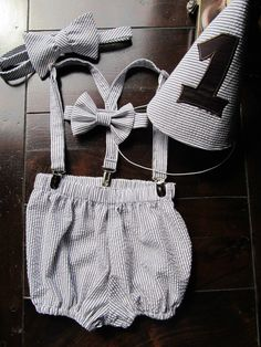 Cake Smash Outfit and matching Bow tie for Dad by TwoLCreations
