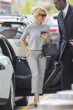 Pamela Anderson talks her old Hollywood makeunder.
