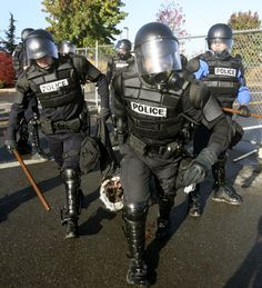 UC Berkeley Study Shows Cops in Riot Gear May Incite Violence