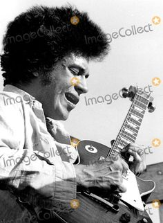 Mike Bloomfield Photo - Gpc 548 the Late Mike Bloomfield in Malibu 1968 Photo By:victor Aleman/Globe Photos, Inc Imagination Images, Paul Butterfield, Mike Bloomfield, William Christopher, Blues Music, Guitar Design, Blues Rock, Cool Guitar, Rock Stars