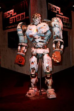 real robots   ... takes to the boxing ring with robots in the new film Real Steel