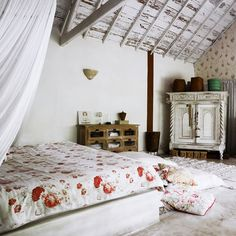 Home and Delicious: being there – on a tropical island hideaway Decor, Home Bedroom, Newlywed Apartment, Bedroom Design, Living Etc, Home Decor, House Interior, Home Deco, Modern Rustic Decor