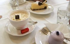 I love enjoying my cup of coffee and piece of cake in Vienna. Here the rundown of my favorite Kaffeehäuser you should not miss when visiting Vienna! I Cup, Piece Of Cakes, Brunettes, Vienna, Coffee Cups, My Favorite Things, Tableware, Ethnic Recipes, Food