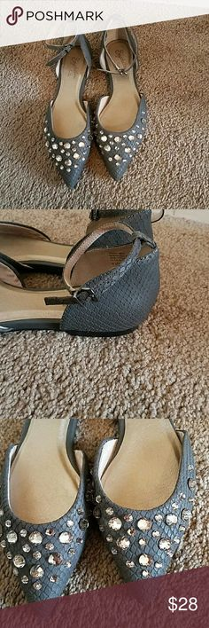 Seychelles Gray Flats with Ankle Strap size 6.5 Beautiful Stone Gray Seychelles Flats size 6.5 Rhinestones across the toes with a strap at the ankle, buckle closure.  Very minimal signs of wear. So beautiful and will class up and dress up any outfit.  Reposh from one of my very favorite closets- cherskloset Seychelles Shoes Flats & Loafers