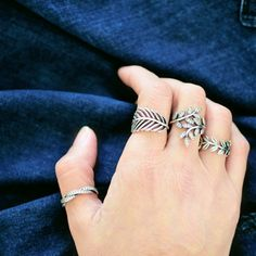 Sparkling sterling silver rings and denim - always a great combination. By Portuguese blogger Maria Guedes of Stylista. #PANDORAring #PANDORAstyle #PANDORAloves