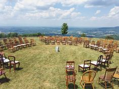 An outdoor wedding set in a garden venue has the additional bonus of providing decorative landscapes and natural floral elements. Wedding Venues In Virginia, Inexpensive Wedding Venues, Garden Venue, Photographers Near Me, Virginia Is For Lovers, Wedding Invitation Cards, Wedding Sets, Romantic Travel, List Template