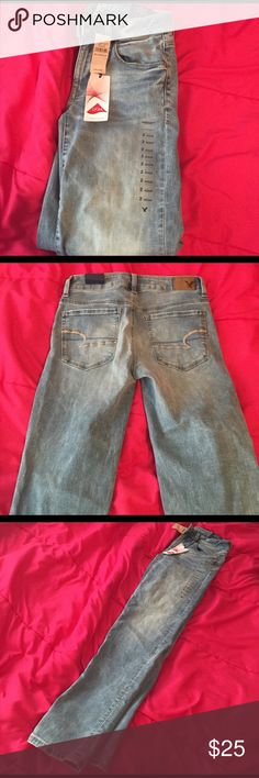 American eagle super stretch low rise light jeans Brand new with tags!!!! Perfect condition just not my size. Super stretch size 2 regular skinny American Eagle Outfitters Jeans Skinny