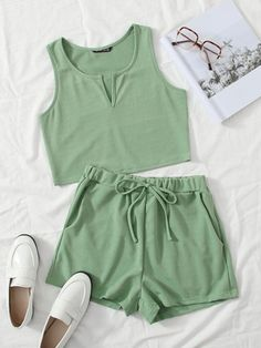 Swag Outfits For Girls, Teen Fashion Outfits, New Fashion, Fashion News, Girl Outfits, Cute Outfits, Cropped Tank Top, Crop Tops, Tie Waist Shorts