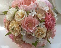 Bouquet di fiori di carta matrimonio di morepaperthanshoes