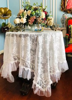 French Lace Tablecloth This heirloom luxury and the very collectible cloth will make any table look its most beautiful, whether you use it on a table for dining, on a tea table, or a purely decorative round table next to your bed. French Country Dining Room, French Table, Lace Tablecloths, French Decor, Set Design, Shabby Chic Decor, A Table, White Lace, Shabby Chic Decorating