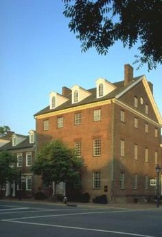 Gadsby's Tavern and Gadsby's Tavern Museum - Old Town Alexandria's Landmark Restaurant