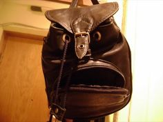 twitter-faces-objects @FacesPics