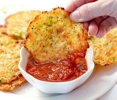 Zucchini Tortilla, Zucchini Crisps, Tortilla Chips, Zuchinni Chips, Keto Snacks, Snack Recipes, Keto Foods, Cooking Spatula, Carb Free Recipes