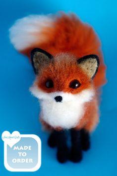 OOAK Needle felted red fox miniature original / door SaniAmaniCrafts