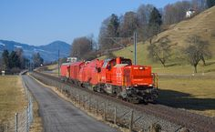 Am 843 der SBB zwischen Schmerikon und Blumenau Electric Locomotive, Diesel Locomotive, Steam Locomotive, Magnetic Levitation, Swiss Railways, Civil Engineering, Travelogue, Switzerland, Trains