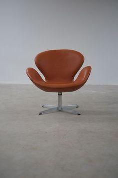 The Modern Warehouse - Furniture - Arne Jacobsen Swan Chair