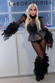 Lady Gaga Outfits, Lady Gaga Fashion, Fashion Outfits, Lady Gaga Artpop, Short Celebrities, Celebs, Musica Lady Gaga, Divas, Lady Gaga Pictures