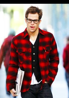 Chris Pine in glasses