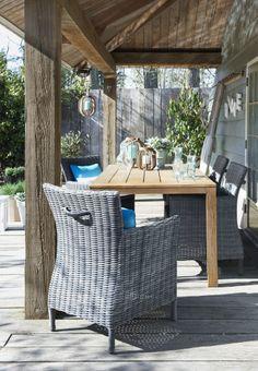 Bij Leen Bakker vind je verschillende accessoires om je terras mee aan te kleden, waaronder Lantaarn Bruno #leenbakker #terrasideeen