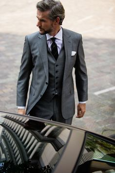 Great suit... simply great grey suit !