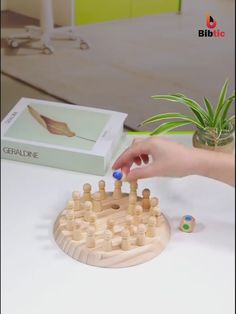 Kids Discover This chess can train childrens memory and it is very interesting. This chess can train childrens memory and it is very interesting. Educational Toys For Kids, Kids Toys, Children Games, Toddler Toys, Kids Crafts, Wood Games, Diy Artwork, Wood Toys, Craft Ideas