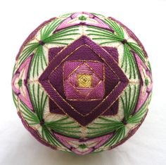 Purple rose garden, Temari ball