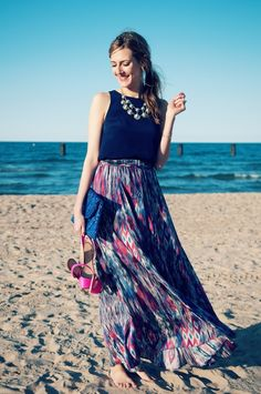 love this type of outfit... perfect for attending a wedding in Hawaii :)