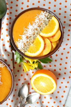 Smoothie bowls make the perfect breakfast and they're healthy too! From berry, to mango, enjoy these 30 Healthy Breakfast Smoothie Bowls. Smoothie Bowl, Smoothie Fruit, Raspberry Smoothie, Smoothie Cleanse, Juice Cleanse, Healthy Breakfast Smoothies, Yummy Smoothies, Green Smoothies, Breakfast Desayunos