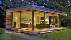 KELLER minimal windows work beautifully in this space space. It helps simplify the architecture creating an inspiring modern space. Backyard Office, Backyard Studio, Backyard Sheds, Garden Office, Minimalist Architecture, Architecture Design, Landscape Architecture, Landscape Design, Contemporary Garden Rooms