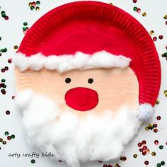 Arty Crafty Kids - Seasonal - Easy Chrsitmas Craft - Paper Plate Santa crafts for kids for teens to make ideas crafts crafts Handmade Christmas Crafts, Santa Crafts, Christmas Crafts For Kids, Simple Christmas, Holiday Crafts, Homemade Christmas, Santa Christmas, Halloween Crafts, Christmas Decorations