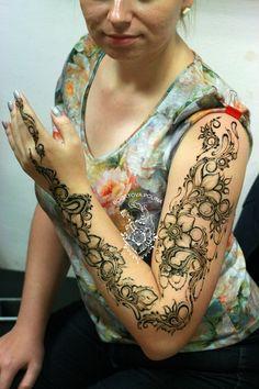 #Мехенди #мехендипитер #мехендиспб #хнаспб #хнатату #mehendispb #mehendi #mehndi #mendi #hennaart #henna #мехендисанктпетербург #натуральнаяхна #naturalhenna #хна #росписьхной #джагуагель #джагуаспб #джагуа #jagua #jaguagel #best_henna_designs #best_henna