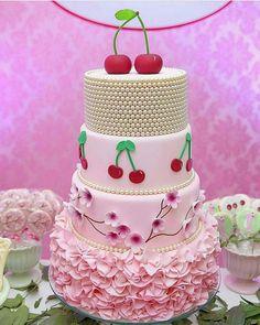 Bolo lindo no tema Cerejas. By 📸 Festa linda da Bruna, filha da Pretty Cakes, Beautiful Cakes, Amazing Cakes, Girly Cakes, Fancy Cakes, Cupcakes, Cupcake Cakes, Clean Eating Cake, Cherry Cake