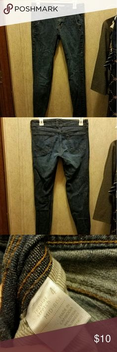 Old navy skinny jeans size 4 Dark wash. Size 4 skinny jeans. Only worn once or twice. Cannot model Old Navy Jeans Skinny