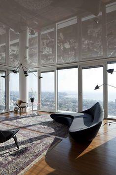 Sleek and modern urban apartment in Tel Aviv